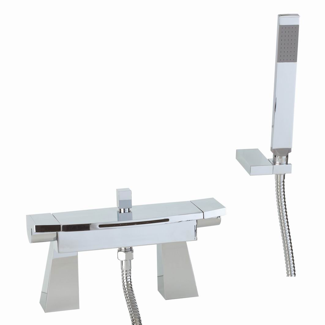 The top five bath taps for modern bathroom designs the for Bathroom tap designs
